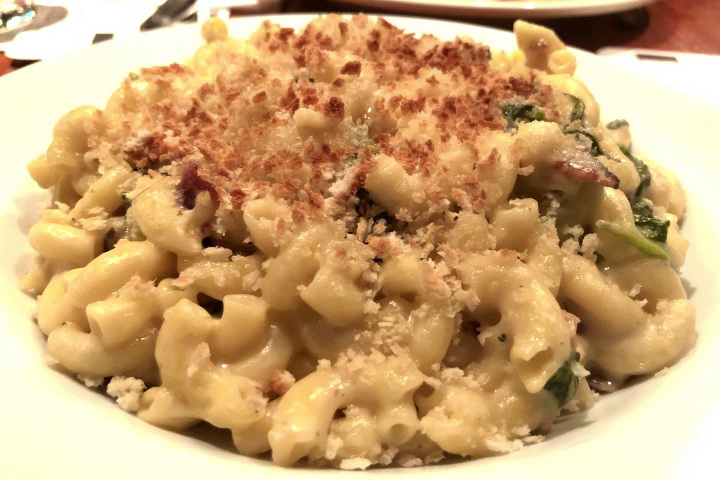 photo of macaroni and cheese from Atwood's Tavern, Cambridge, MA
