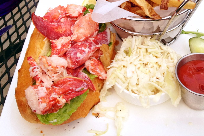 photo of a lobster roll from Bella Luna, Jamaica Plain, MA