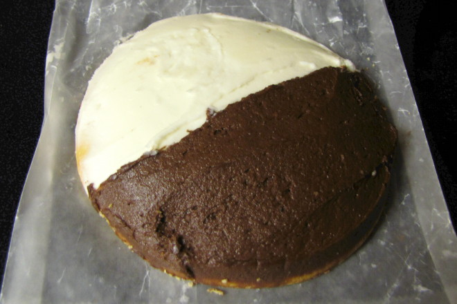 Photo  Half Moon Cookie From Cakes Bakery And Cafe