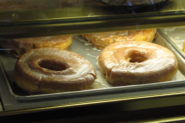 photo of big honey dip doughnuts from Congdon's Doughnuts, Wells, ME