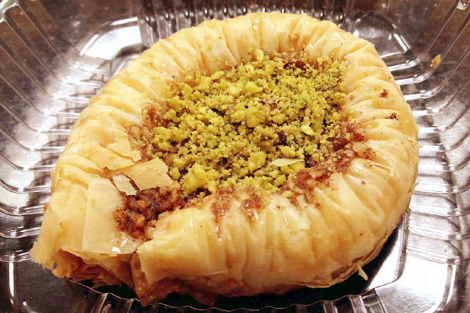 photo of baklava from Garlic 'n Lemons, Allston, MA