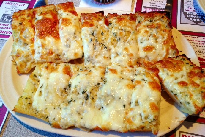 photo of garlic bread from Grumpy White's, Quincy, MA