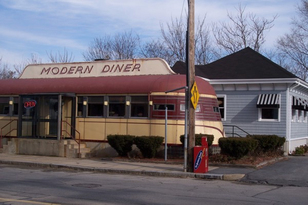 photo of the Modern Diner, Pawtucket, RI