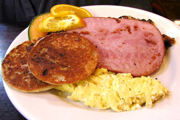 photo of a breakfast plate from Niko's Restaurant, Weymouth, MA