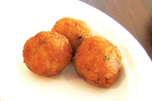 photo of fried cheese balls from Ritu Ki Rasoi, Burlington, MA