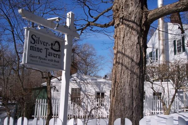 Photo Silvermine Tavern Restaurant Closed Norwalk Ct