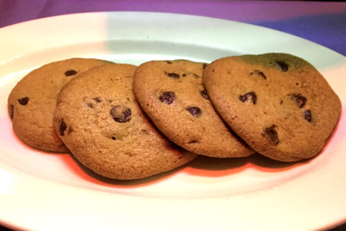 photo of warm chocolate chip cookies from Winthrop Arms, Winthrop, MA