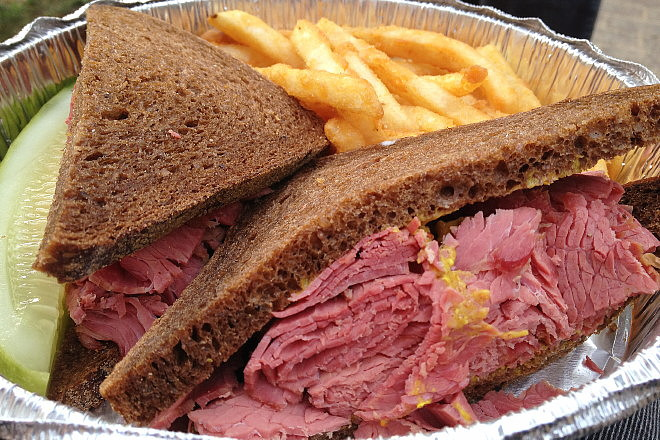 photo of a corned beef sandwich from Zaftigs, Brookline, MA